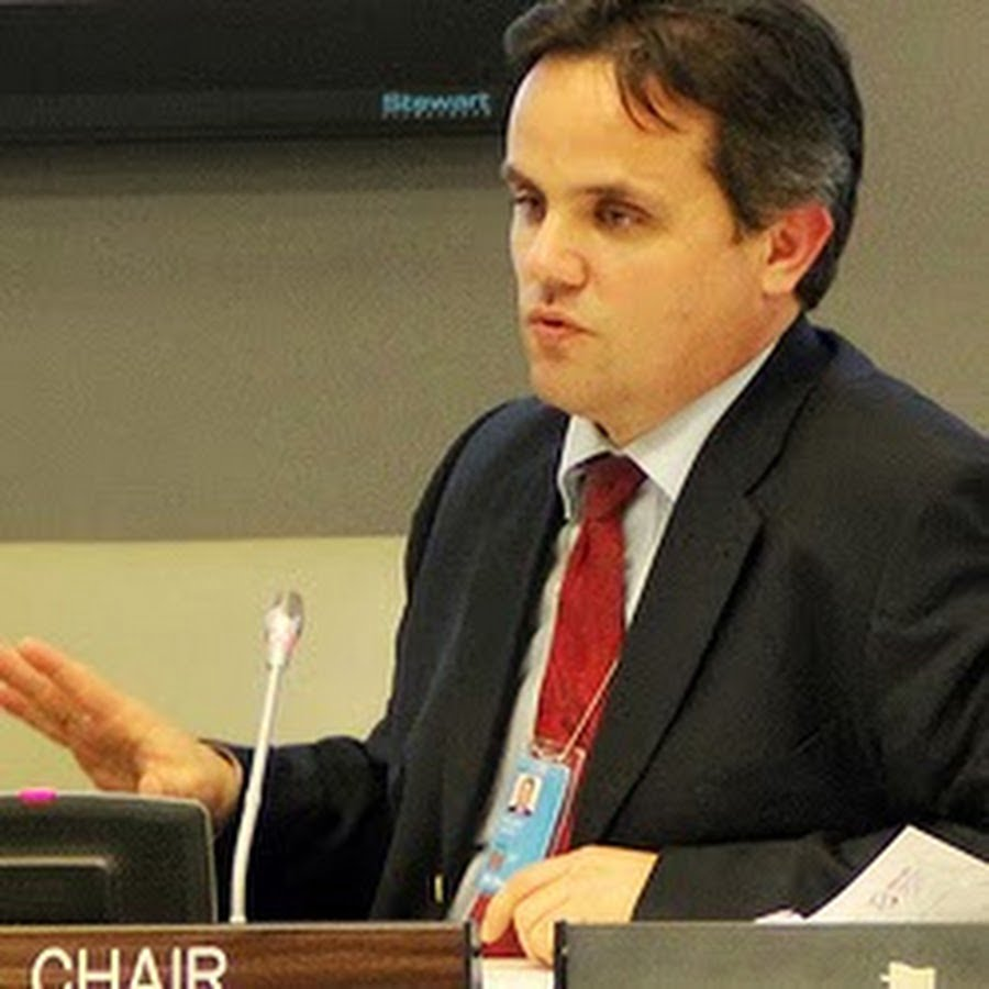 Dr. Polzer speaking at the 2012 UN Youth Assembly